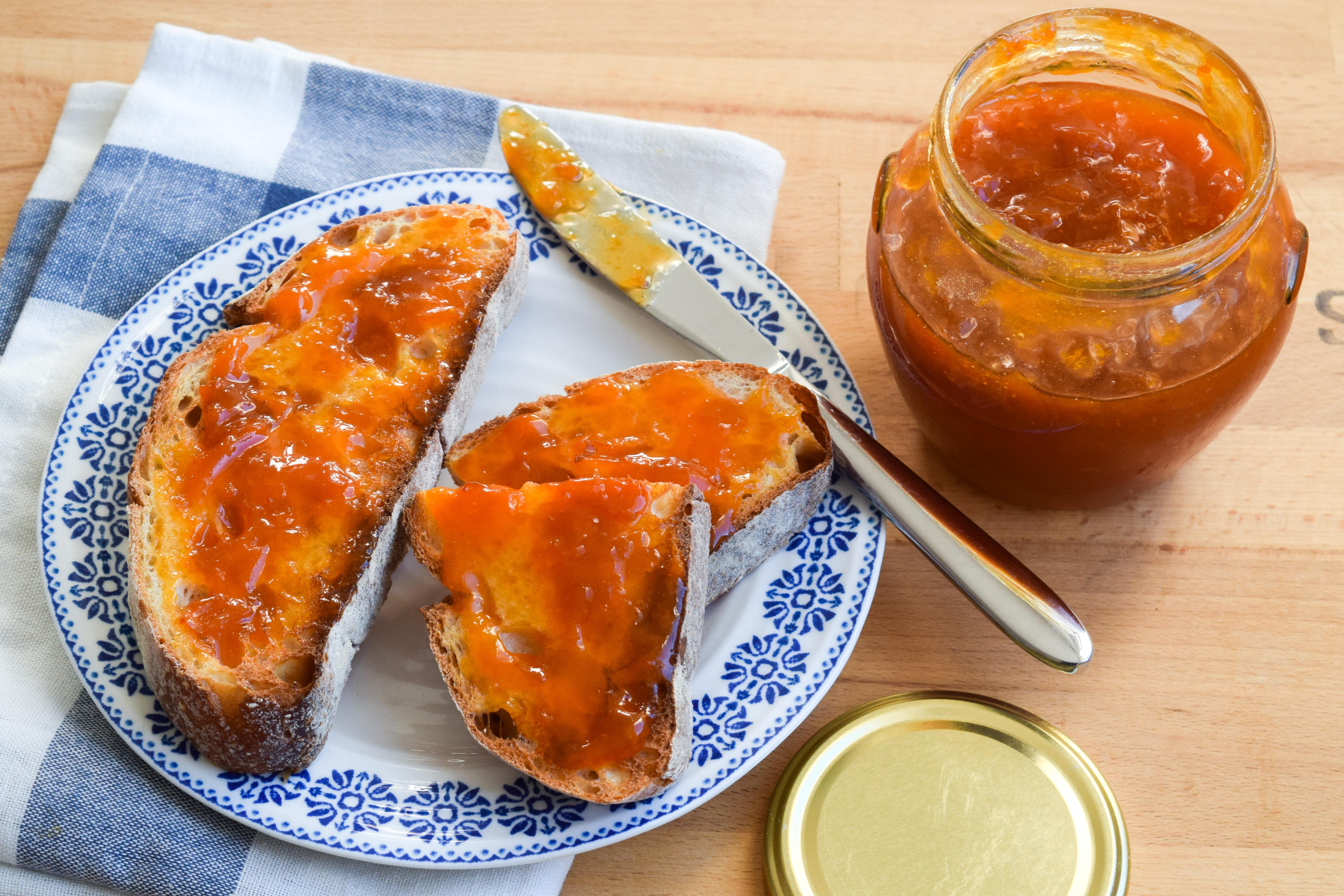 How To Make Homemade Apricot Jam