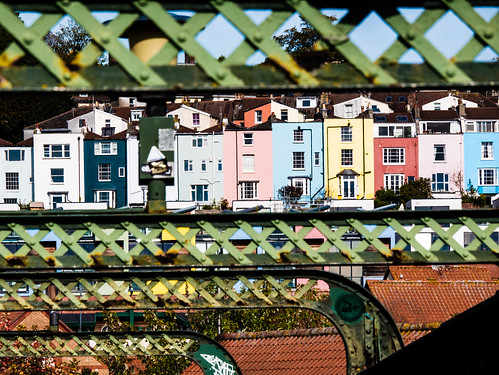 Cliftonwood houses, through Vauxhall Bridge
