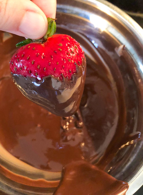 Magical Butter's Dark Chocolate Dipped Strawberries