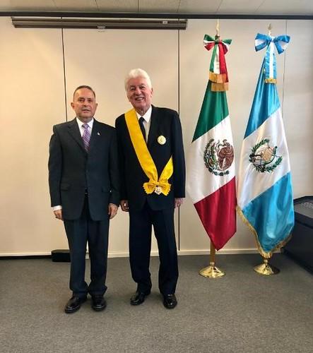 Entrega de la Orden Mexicana del Águila Azteca a Arturo Romeo Duarte Ortiz, ex Embajador Extraordinario y Plenipotenciario de la República de Guatemala en México