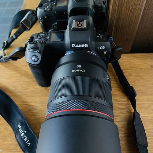 EOS R & RF50mmF12L