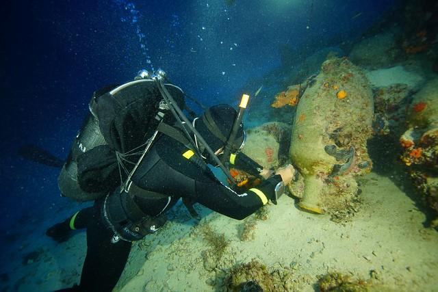 Εργασίες σήμανσης σε ναυάγιο ρωμαϊκών χρόνων (ΕΕΑ, φωτ. Β. Μεντόγιαννης)