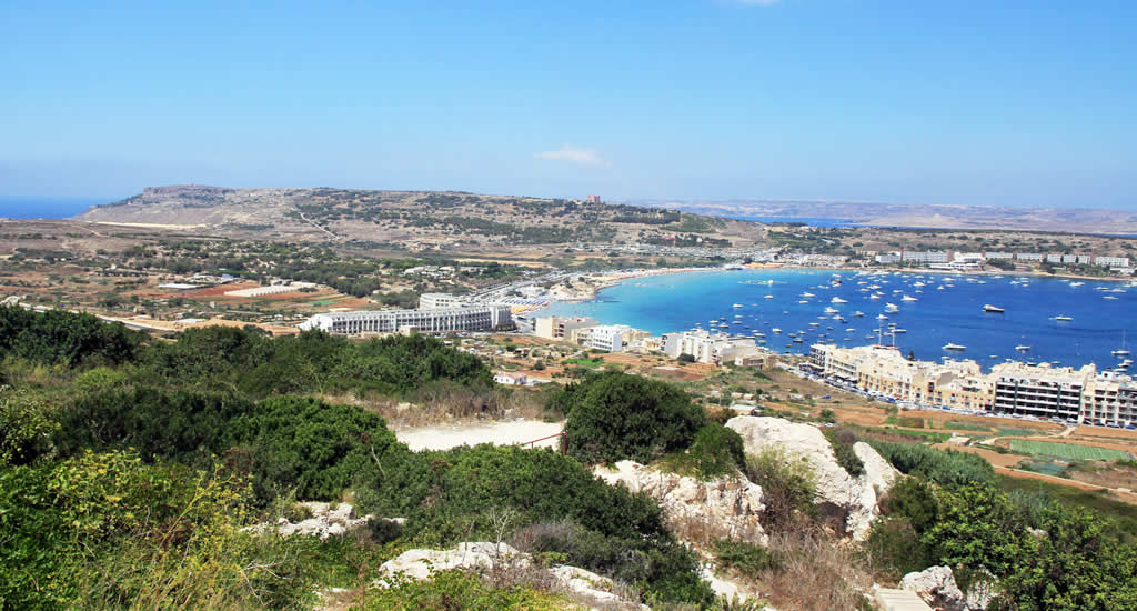 Bezienswaardigheden in Mellieha, Malta: Mellieha Bay | Malta & Gozo