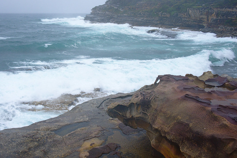 Heavy surf, Tamarama Rocks