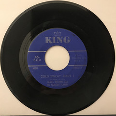 JAMES BROWN AND THE FAMOUS FLAMES:COLD SWEAT(RECORD SIDE-A)
