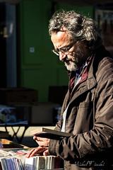 Chez le bouquiniste - Photo of Mane