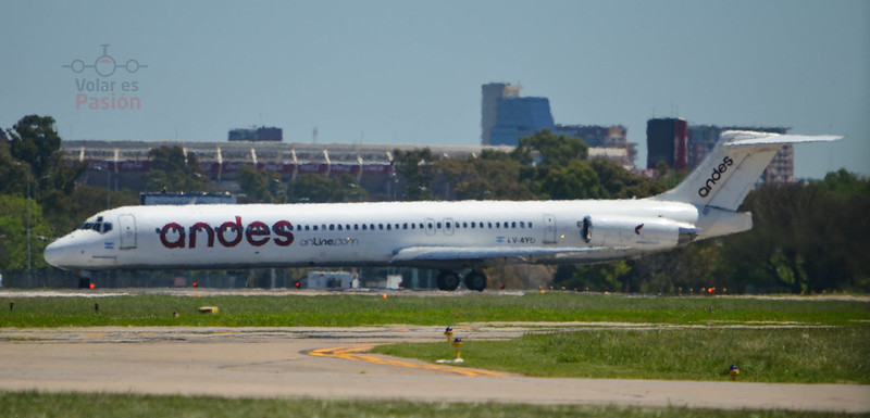 Andes / McDonnell Douglas MD-80