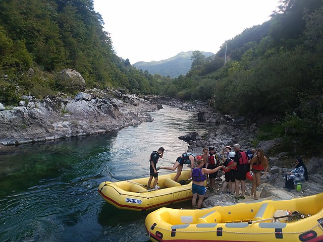 Let's go to Neretva rafting together