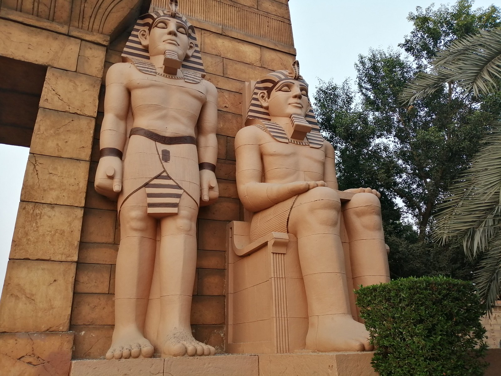 Statues image with Auto Mode on Huawei Y9 2019
