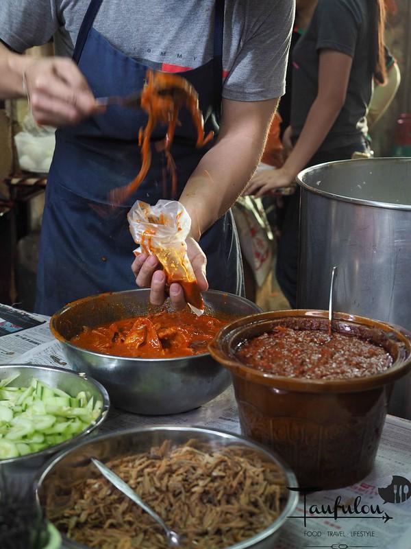 Taste Legendary Nasi Lemak Chow Kit Pasar (8)