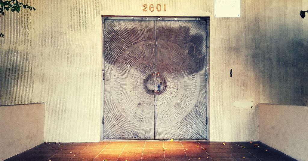 Door-in-the-wall
