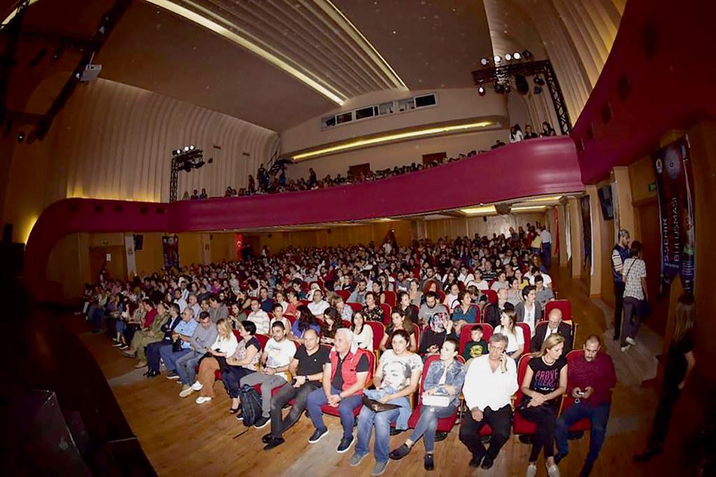 Alanya Belediye Tiyatrosu Kıbrıs'ta