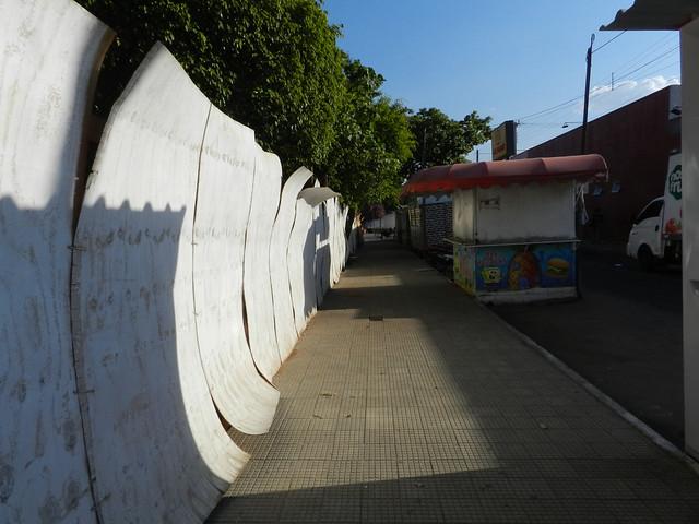 Reforma da Praça da Alegria muda rotina e causa transtornos aos moradores do bairro Novo Juazeiro