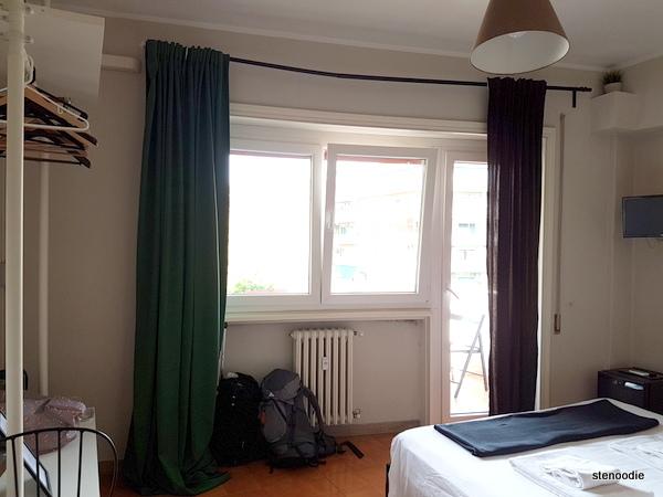 Vaticanum 67 double bed room