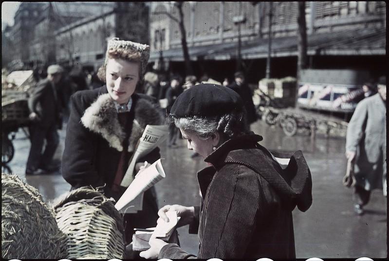 Париж под пятой оккупантов на фотографиях Андре Зукка. Часть 10. 1942. Ле-Аль и окрестности в июле
