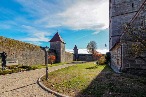 Courtyard of the fortified church Hannberg