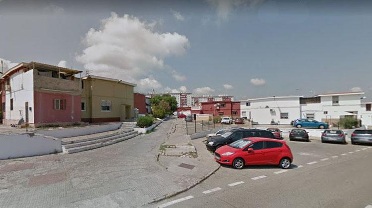 Rescatada una mujer de 78 años en un incendio de una vivienda de Algeciras