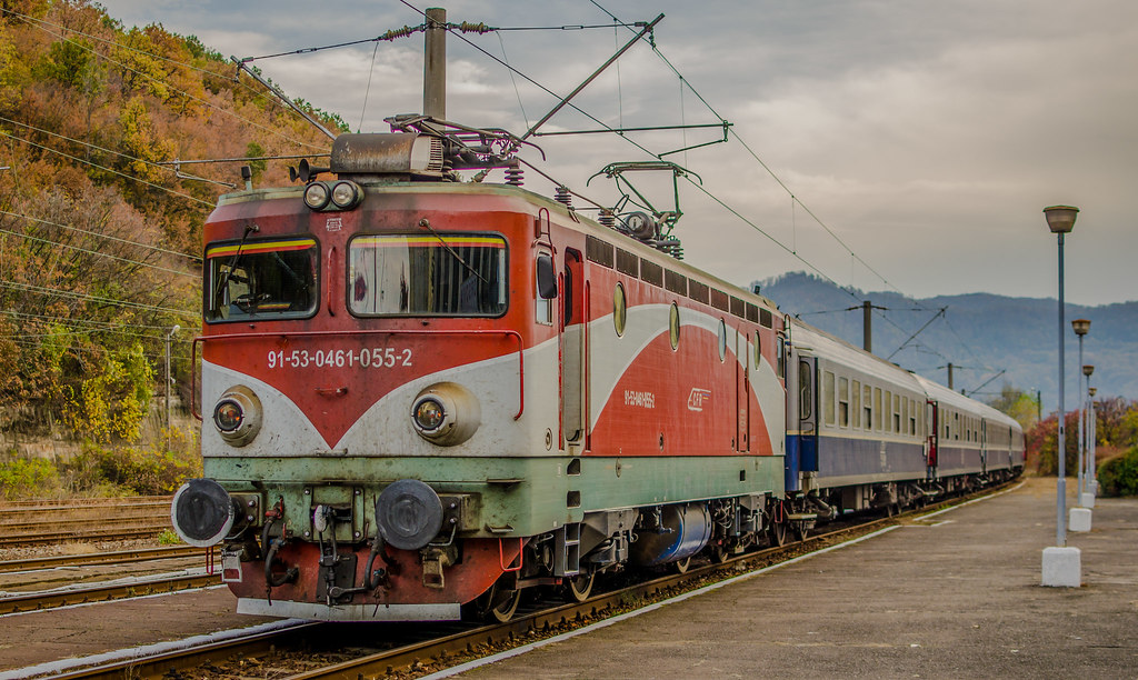 Locomotive clasa 46 - Pagina 58 43780073520_3424aa30d1_b