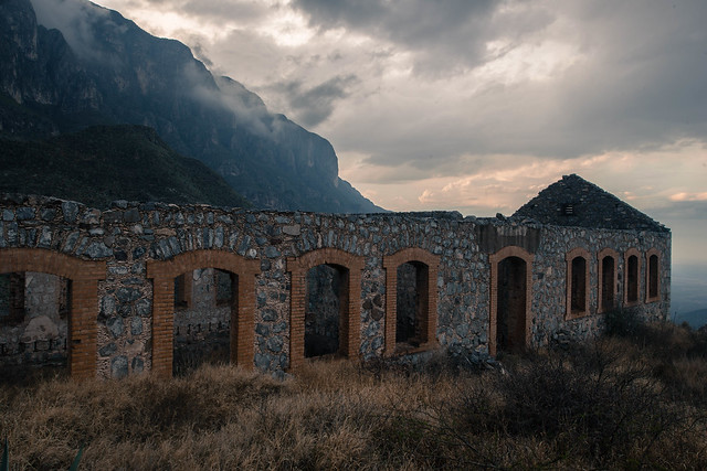 Ruins, Nikon D800, AF-S Zoom-Nikkor 14-24mm f/2.8G ED