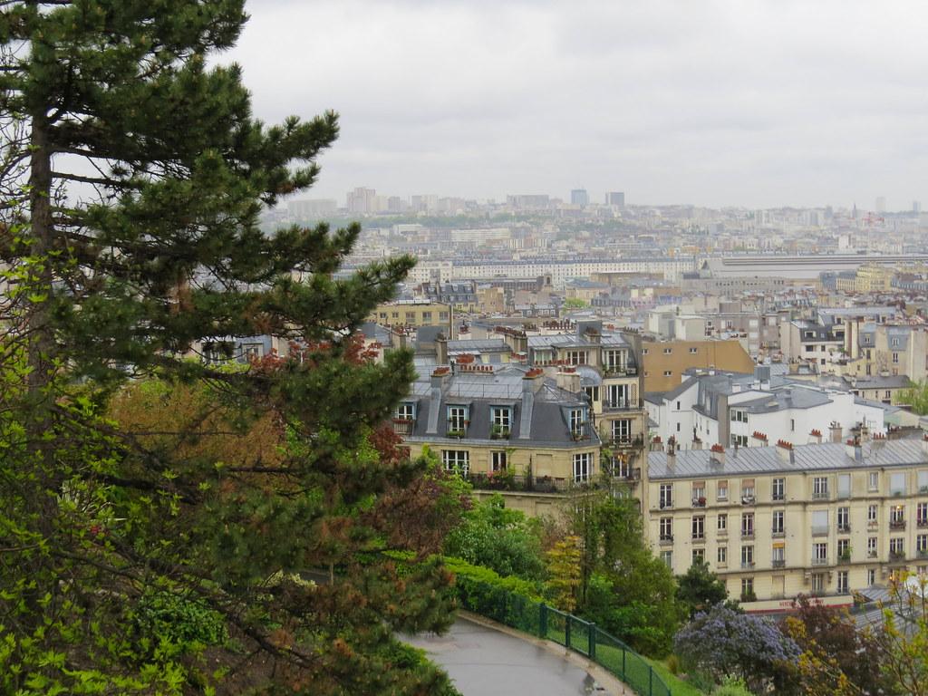 Вид на Париж со смотровой площадки  у Базилики Сакре-Кер