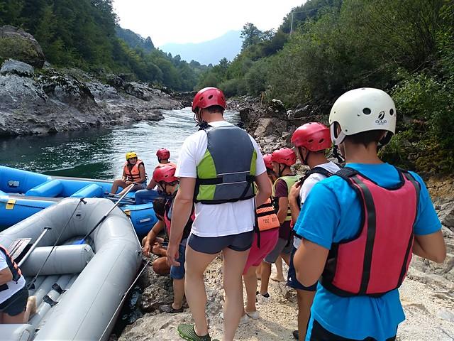 Go to the Neretva rafting