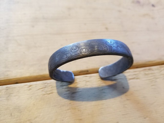 DAMASCUS STEEL BANGLE