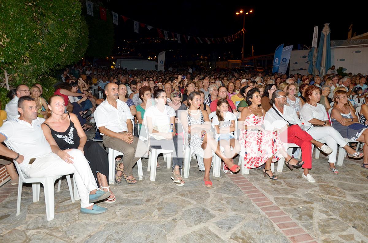 Hakan Aysev'den unutulmaz konser