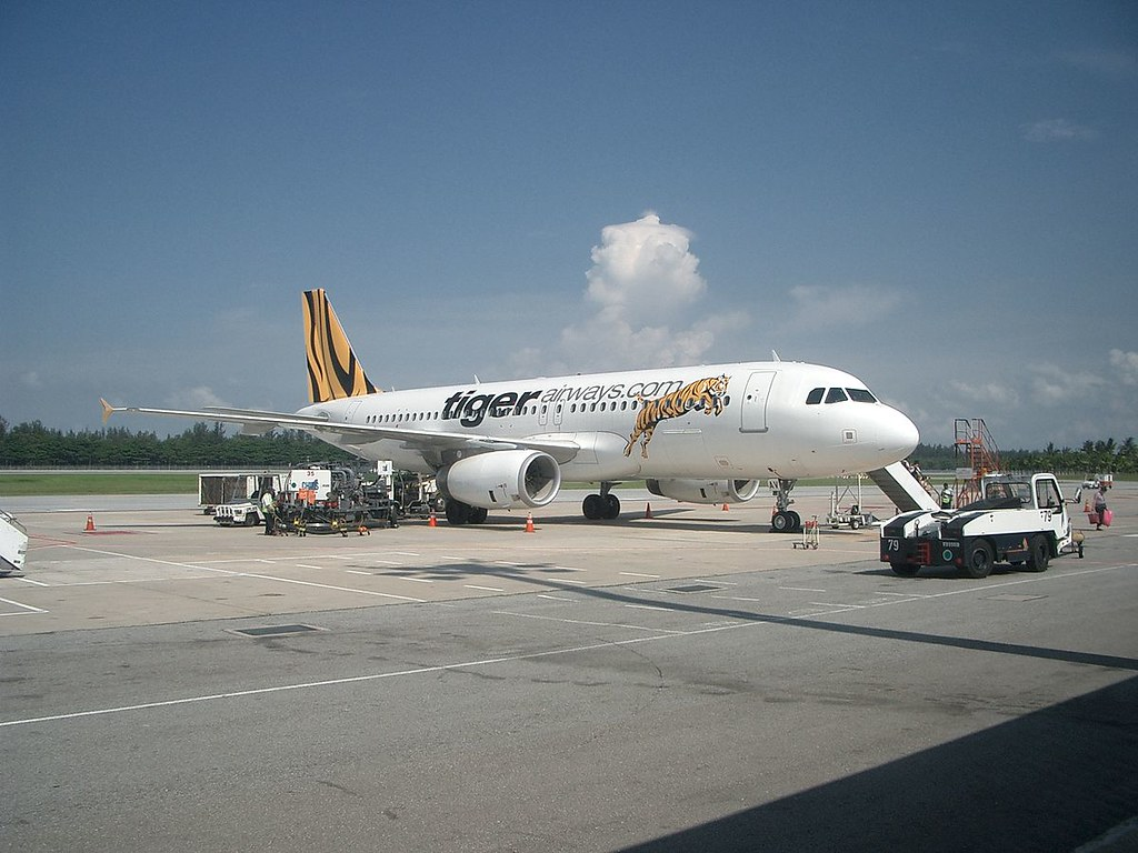 1200px-Air_Bus_A320_of_Tiger_Airways
