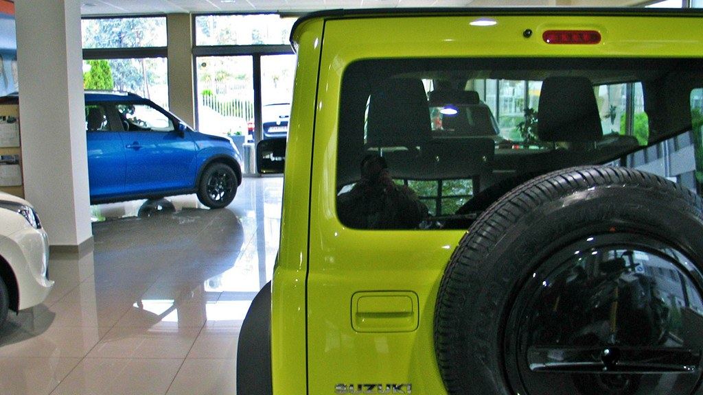 Suzuki Jimny Salon 4