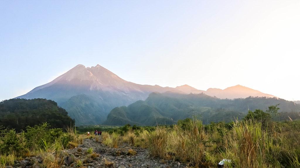 mount-merapi-sunrise-17
