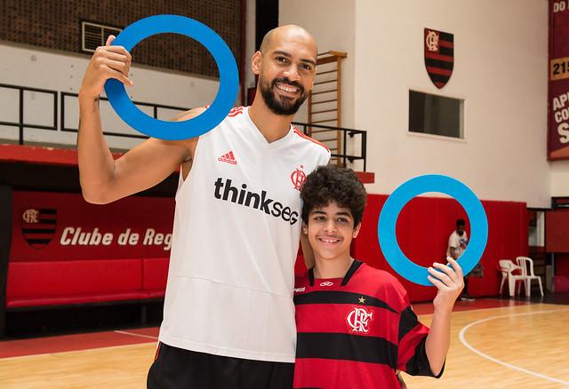 Ação da Revista EmDiabetes com o basquete do Flamengo