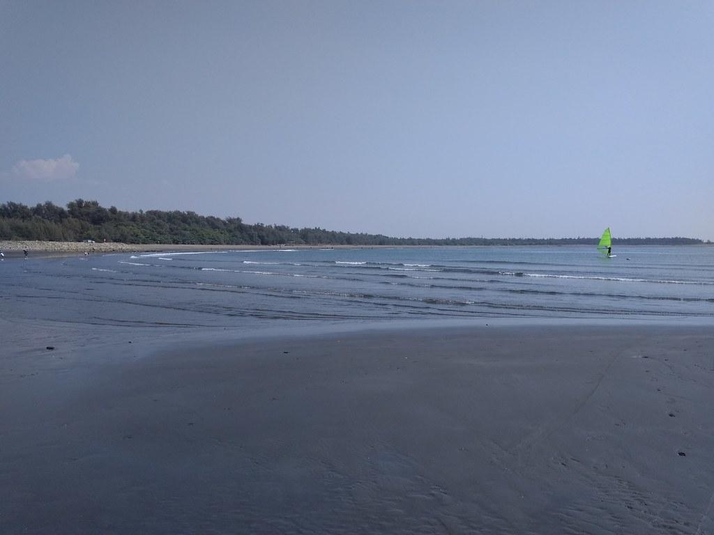 月牙湾沙滩风帆