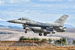 """DSC_2720 copyright 1: """"Lockheed Martin F-16CM Fighting Falcon on finals at Moron AF Base"""""""