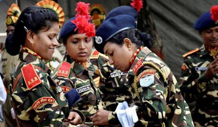indian-army-women-pti8318