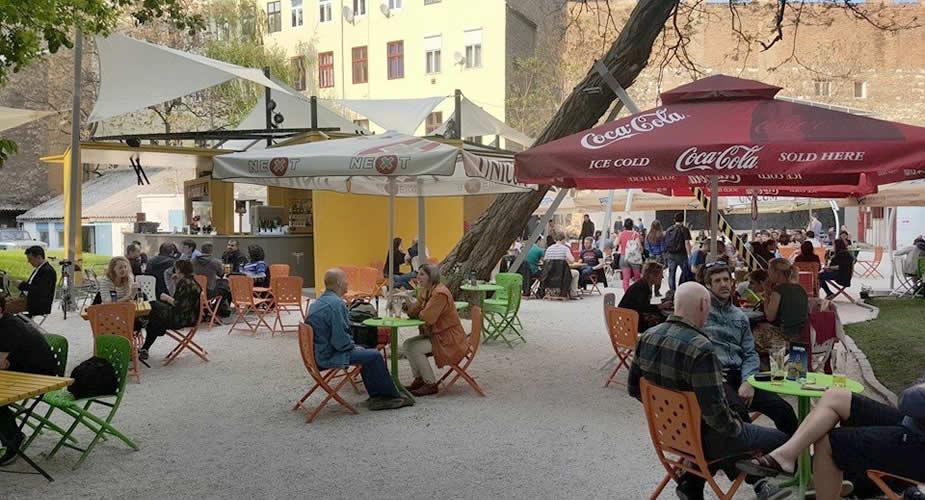 De leukste wijken van Boedapest, Rombusz Terasz Boedapest (foto met dank aan: Rombusz Terasz) | Mooistestedentrips.nl