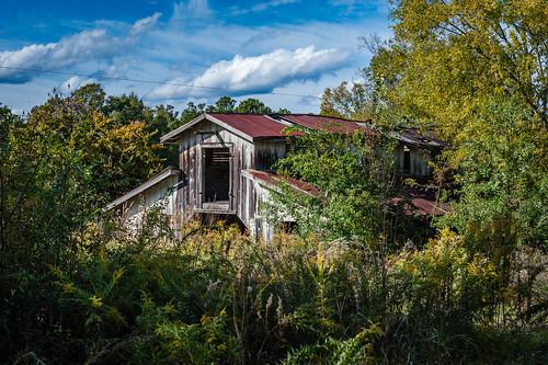 Lost Barn on North Lakeshore