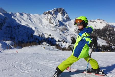 Jarní prázdniny na lyžích s dětmi: za kolik?