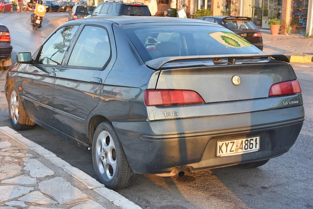 alfa romeo 146 1.4 twin spark   seen in corfu town. built be…   flickr