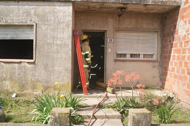 Incendio de vivienda en Empalme Lobos