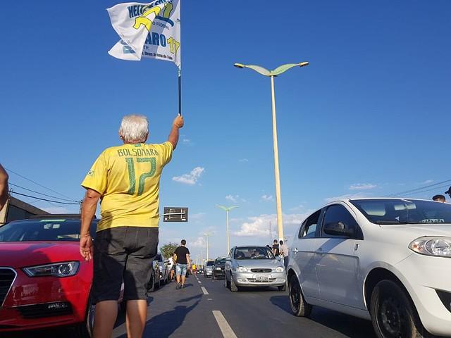 Carreata em favor de Bolsonaro leva milhares às ruas entre Crato, Juazeiro e Barbalha