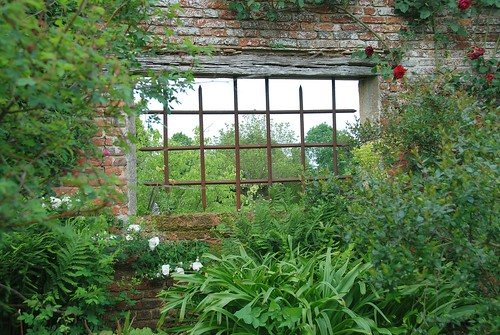 Sissinghurst Castle and Garden - A Window on its Inner Beauty