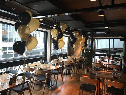 Tafeldecoratie 8ballonnen Cafe in the City Rotterdam Boven