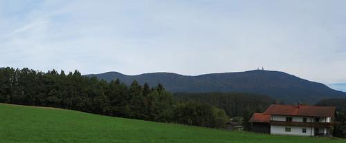 20170928 01 396 ostbay Berg Herbst Wald Wiese Türme Haus_P01