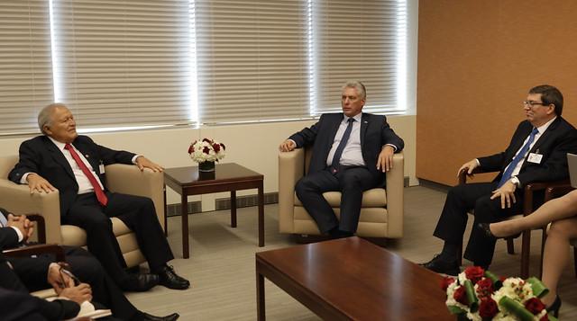 Reunión con Presidente de Cuba.