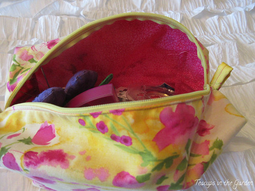 18-Zipper Bag in Yellow and Hot Pink