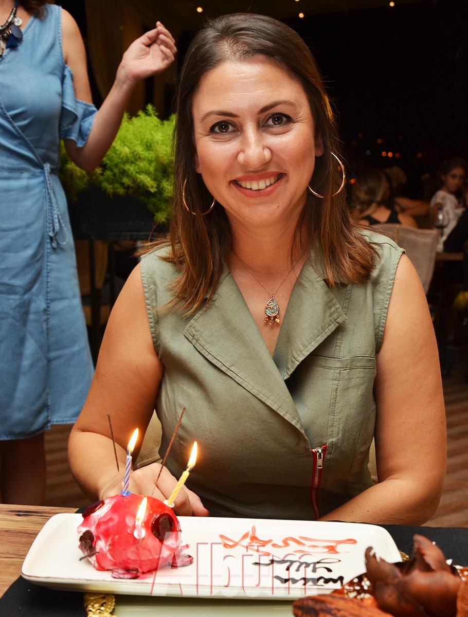 Vogue-Restoran-Esra-Göğün-doğum-günü