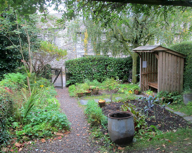Dove Cottage side garden 1