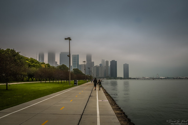 Walking to Grant Park