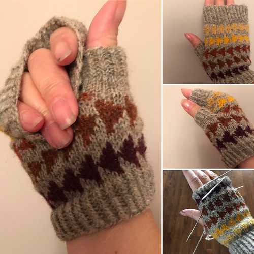 One fingerless mitt is finished!! One more to go!