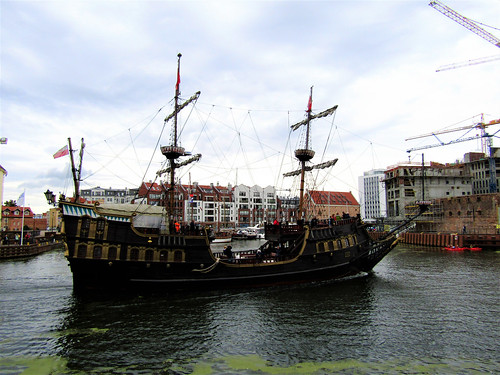 Picture of the Galleon Lion on the Motława River in Gdansk